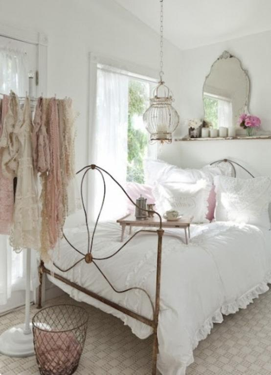 Bedroom:Vintage Iron Bed White Bedding Bedroom Decorating Ideas...