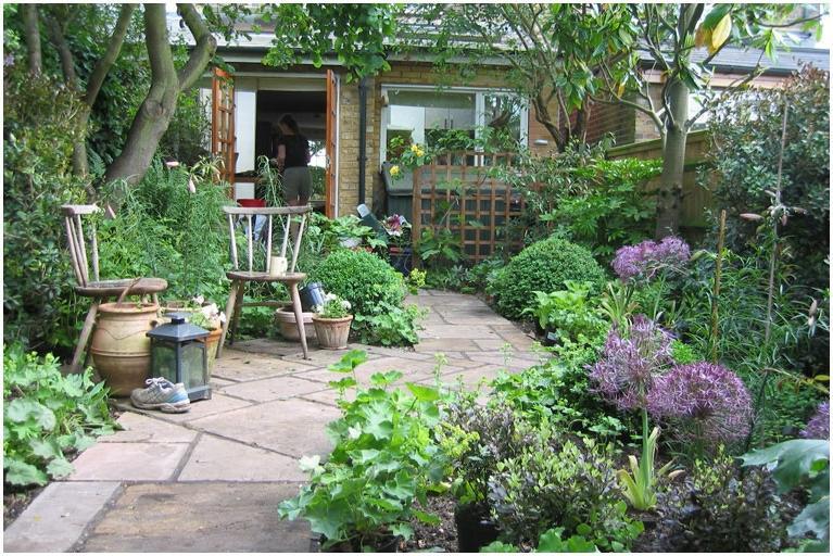 Garden design kent sussex for Garden house design west sussex