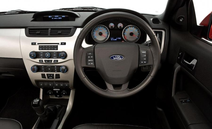 Ford Focus 2009 Interior Photos