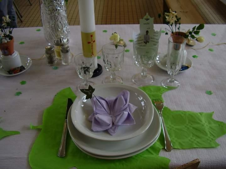 photo de decoration de table pour communion. Black Bedroom Furniture Sets. Home Design Ideas