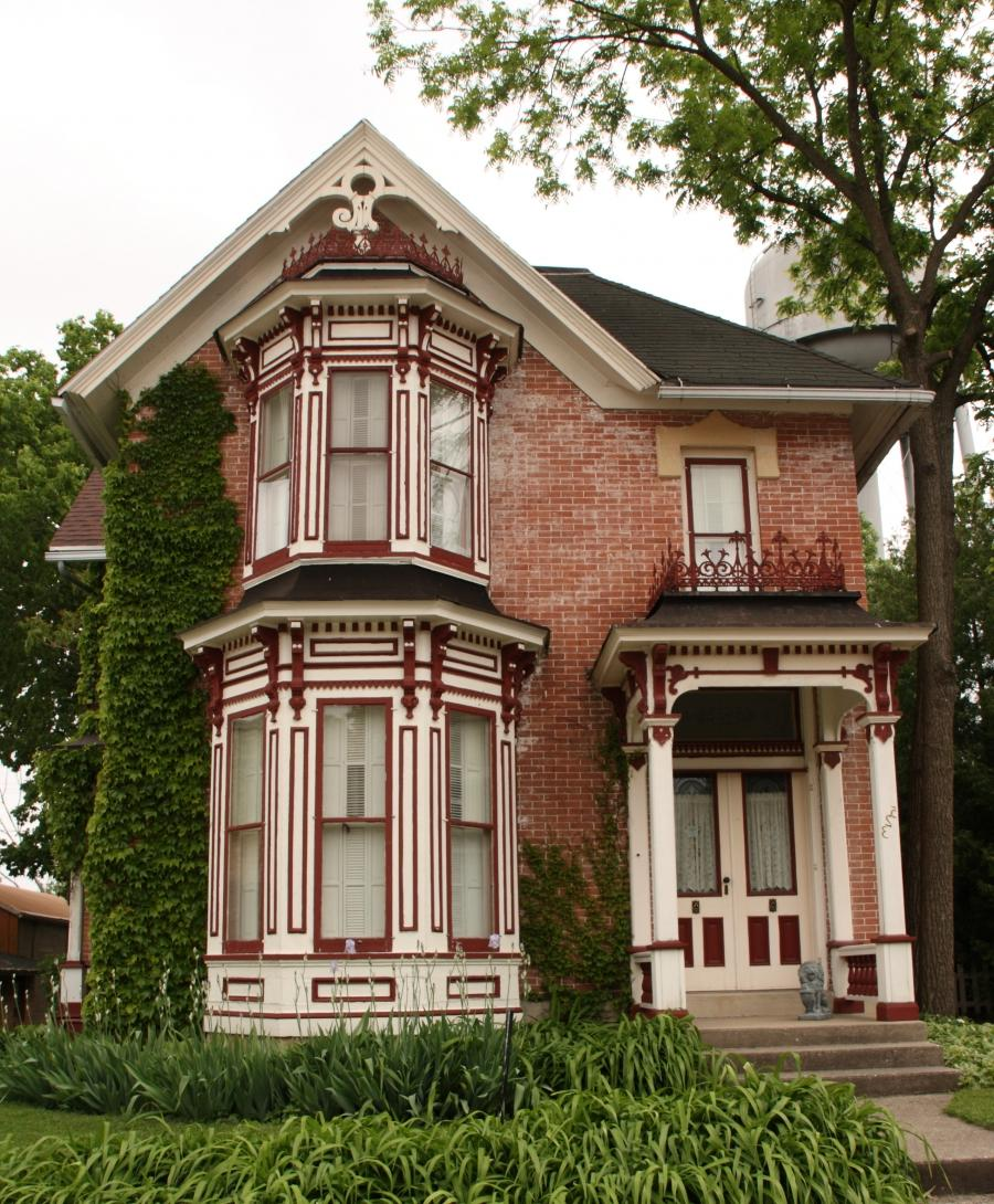 Small historic houses photos for Victorian colonial homes