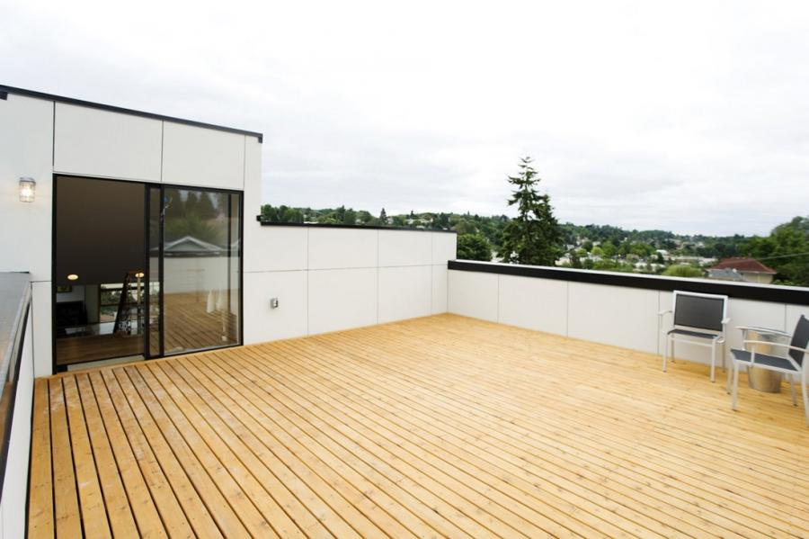 Garage roof deck photos - Houses garage deck rooftop party ...