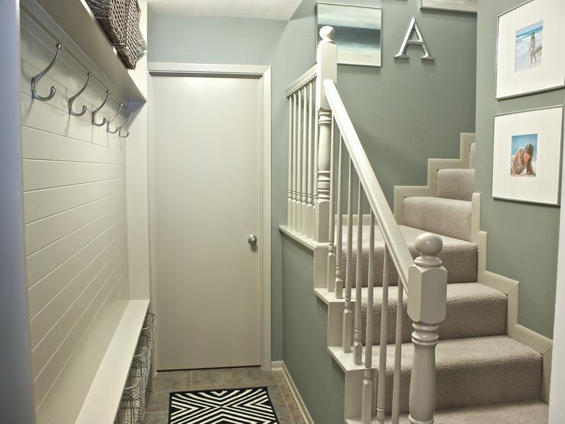 ... Hallway Decorating Ideas with Stair Design ...