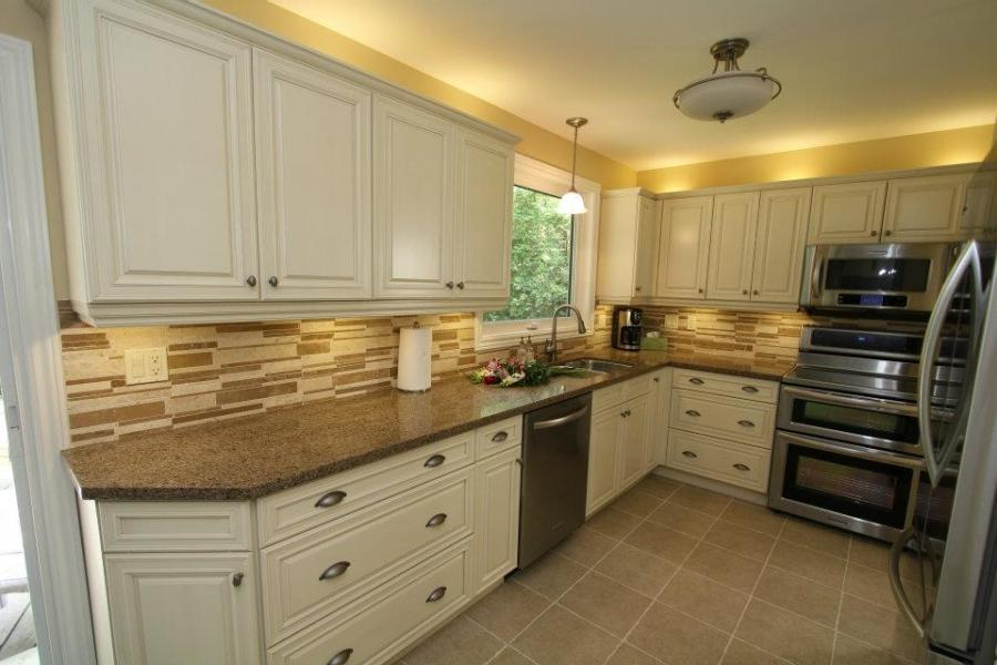 cream colored kitchen cabinets photos. Black Bedroom Furniture Sets. Home Design Ideas