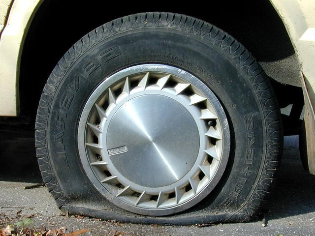 flat tire 782749 North Texas Heat Wave Taking A Toll On Vehicles