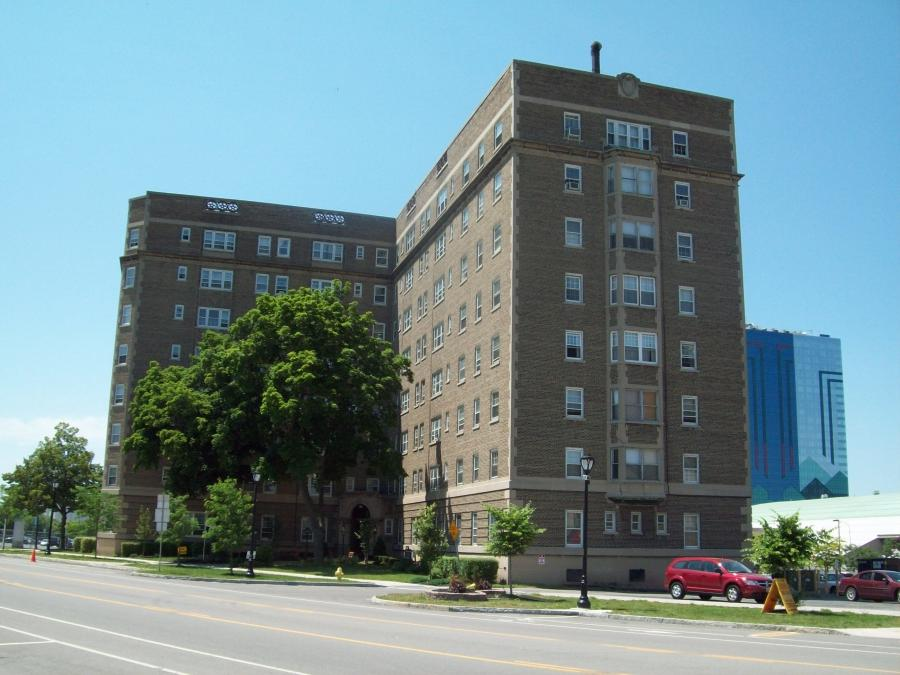Jefferson Apartment Building Jun 09.JPG