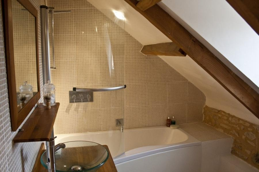 attic bathroom interior: Attic Bathroom Interior
