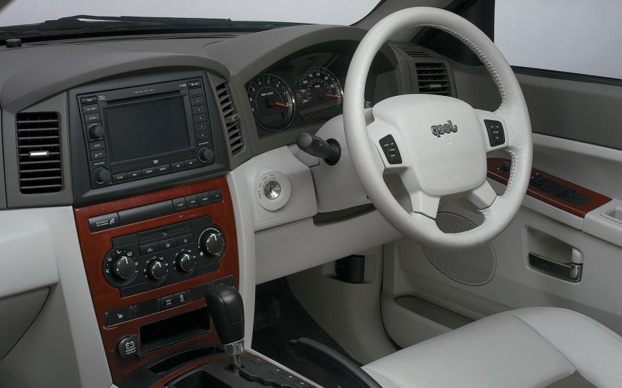 2005 Jeep Grand Cherokee Interior Photos