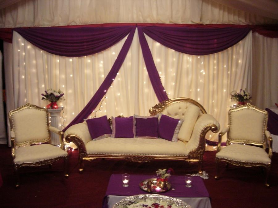 Wedding Stage Decoration Combining White and Purple