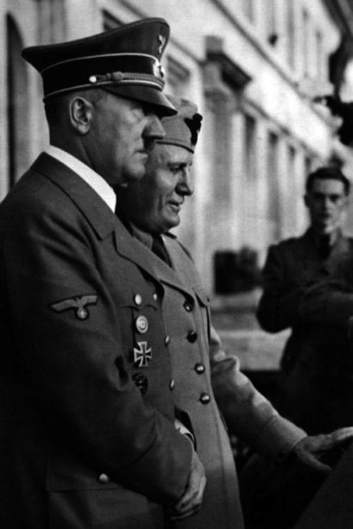 adolfi: Hitler and Mussolini on the balcony - 18 June ...