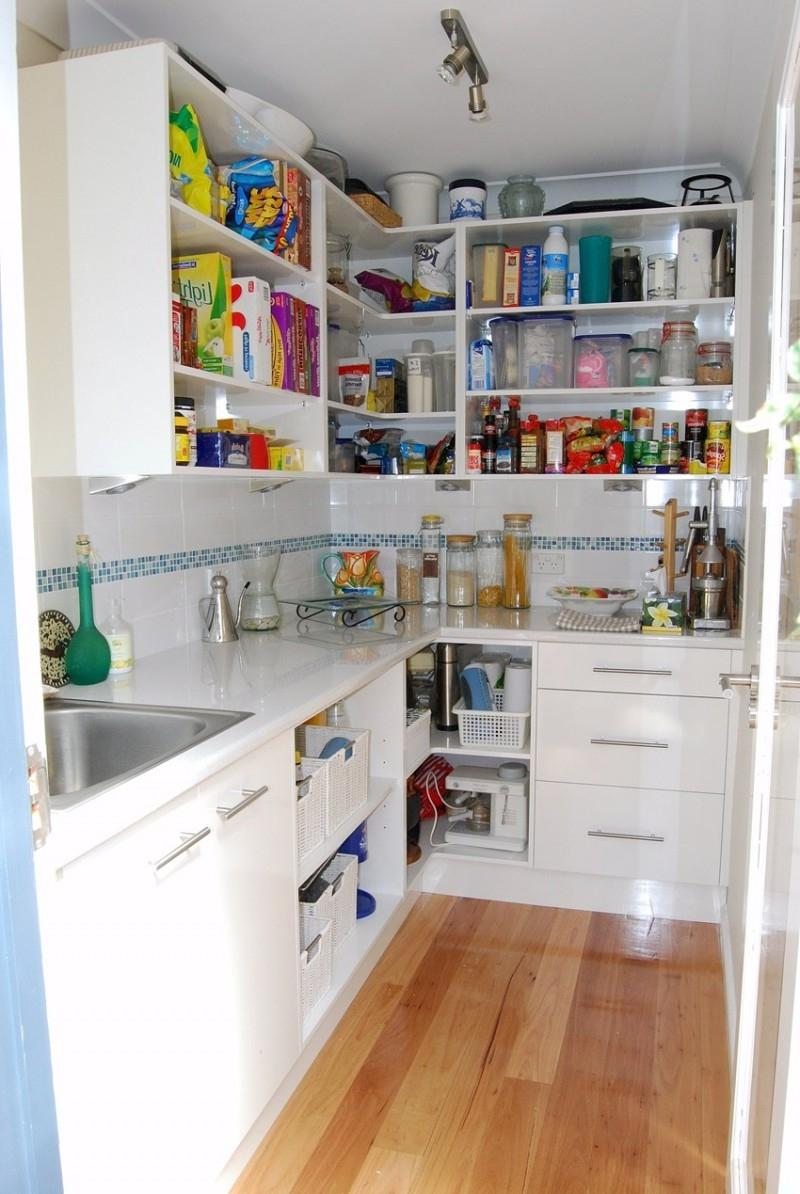 Kitchen Floor Plans With Corner Pantry