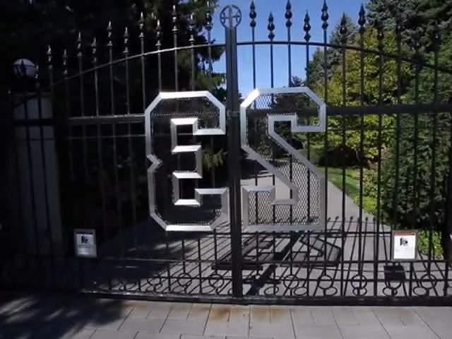 Michael Jordan House Photos