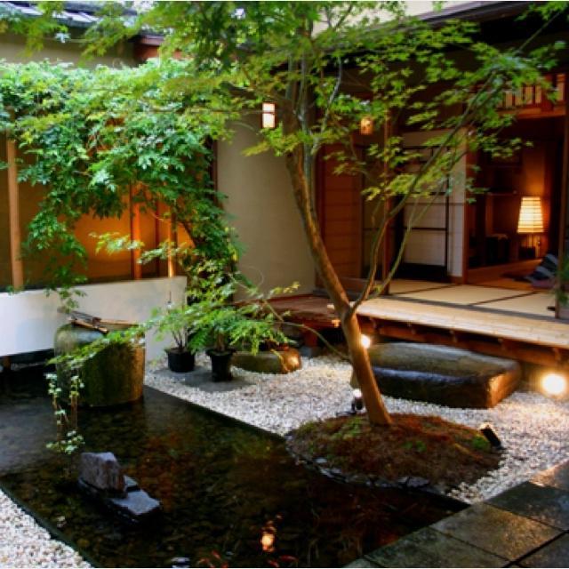 Japanese Courtyard Gardens Photos