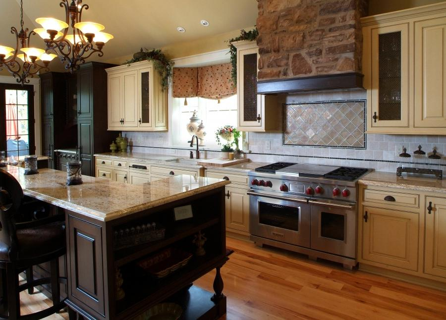 French country kitchen ideas photos for Country kitchen floor tile ideas