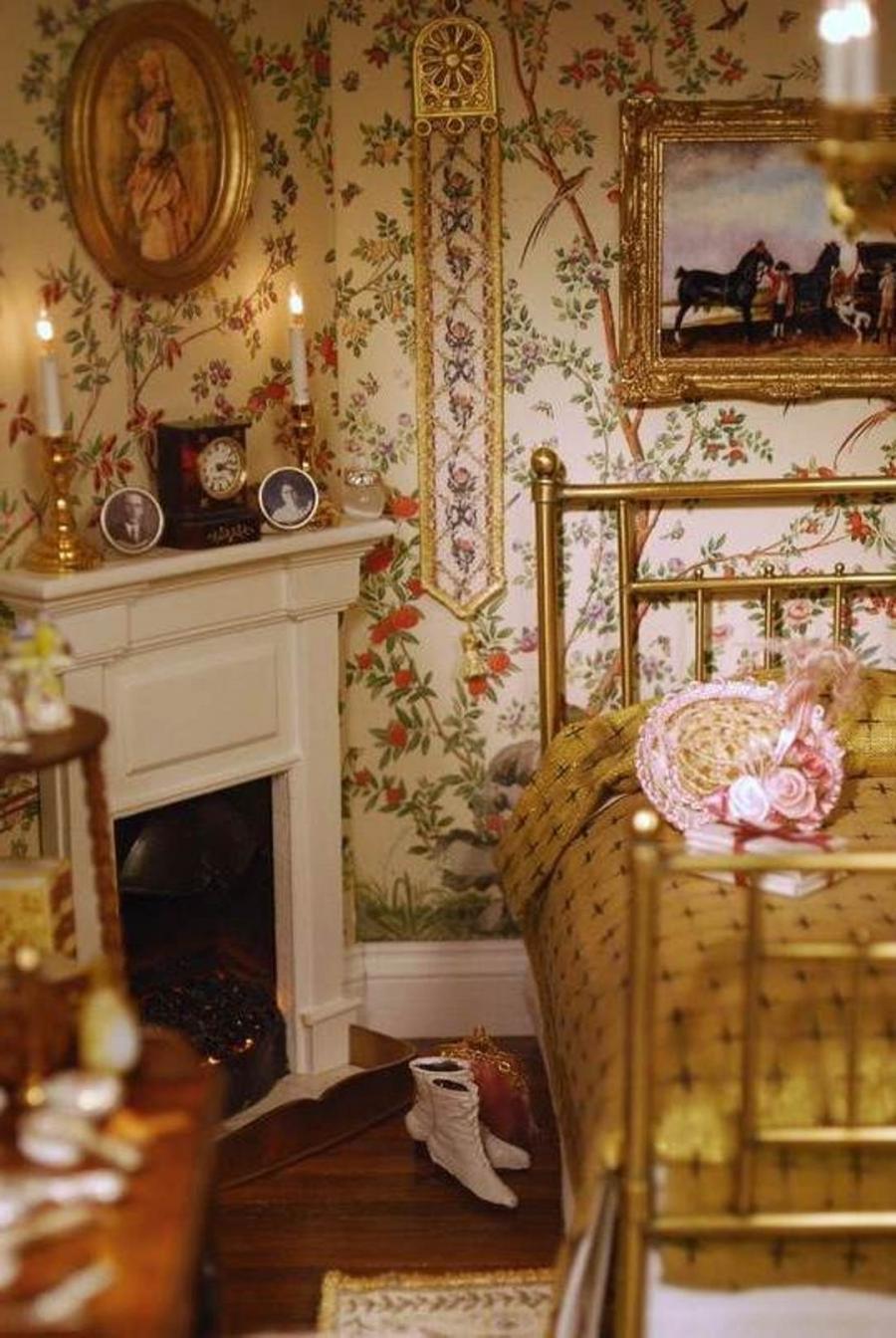 Victorian room photos for Victorian bedroom ideas