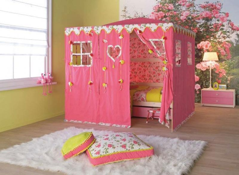 Room Design Beds With Awesome Pink Tents