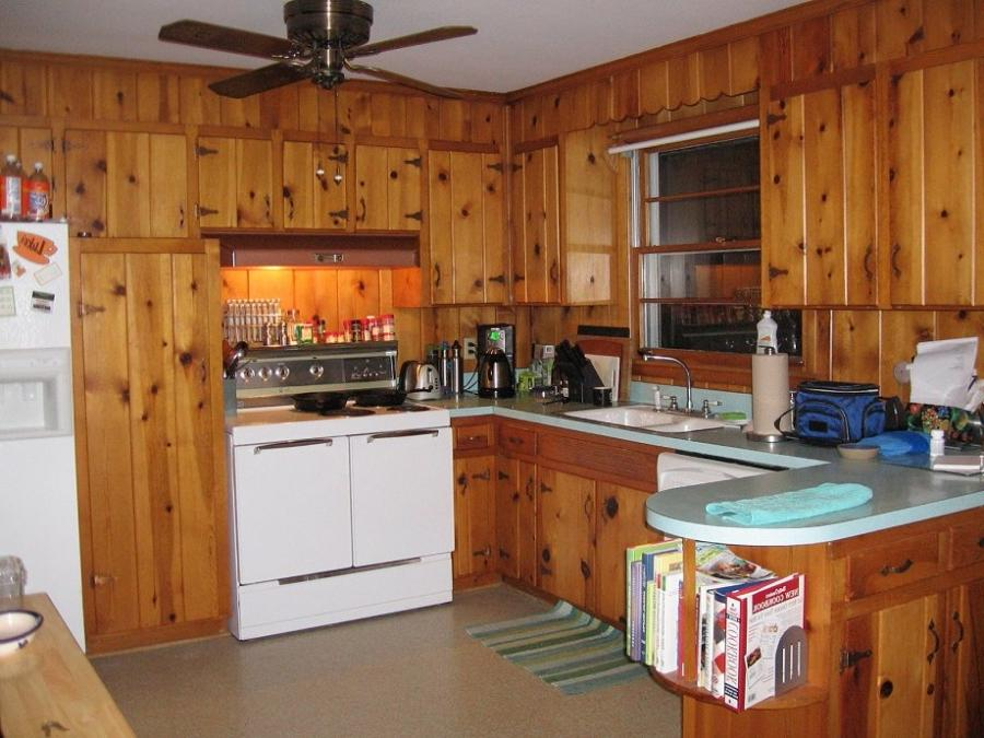 Photos of knotty pine kitchens for Knotty pine kitchen ideas