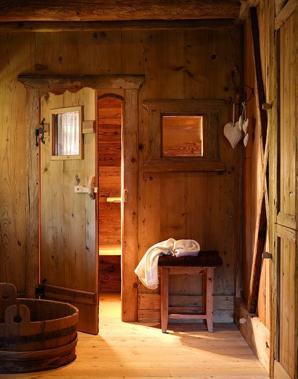 Rustic Log Cabin Design Stunning Interiors 13