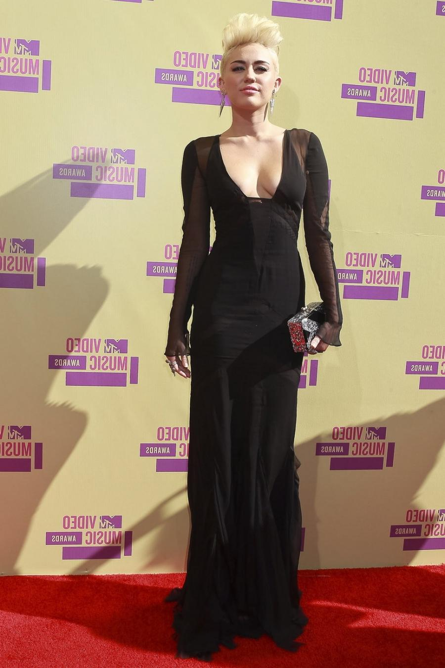 Miley Cyrus red carpet mtv video music awards 2012