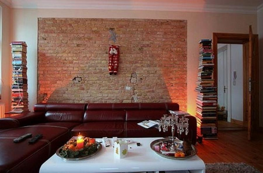 Photo interior brick wall schhol for Brick wall interior living room
