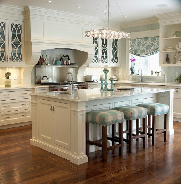 Golf Course Reno - Pretty Kitchen traditional-kitchen