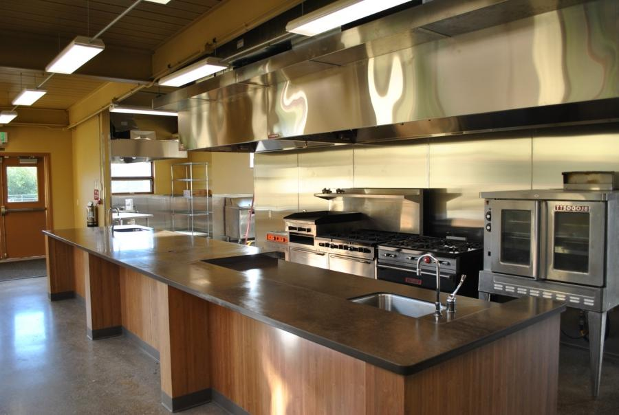 Small commercial kitchen photos for Professional kitchen design