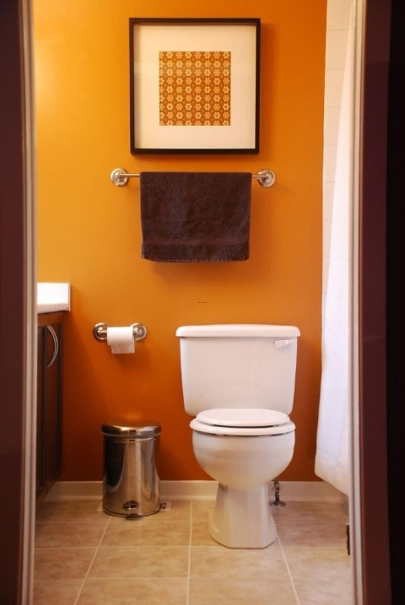 22 extraordinary very small half bathroom ideas for Small 1 2 bathroom decorating ideas