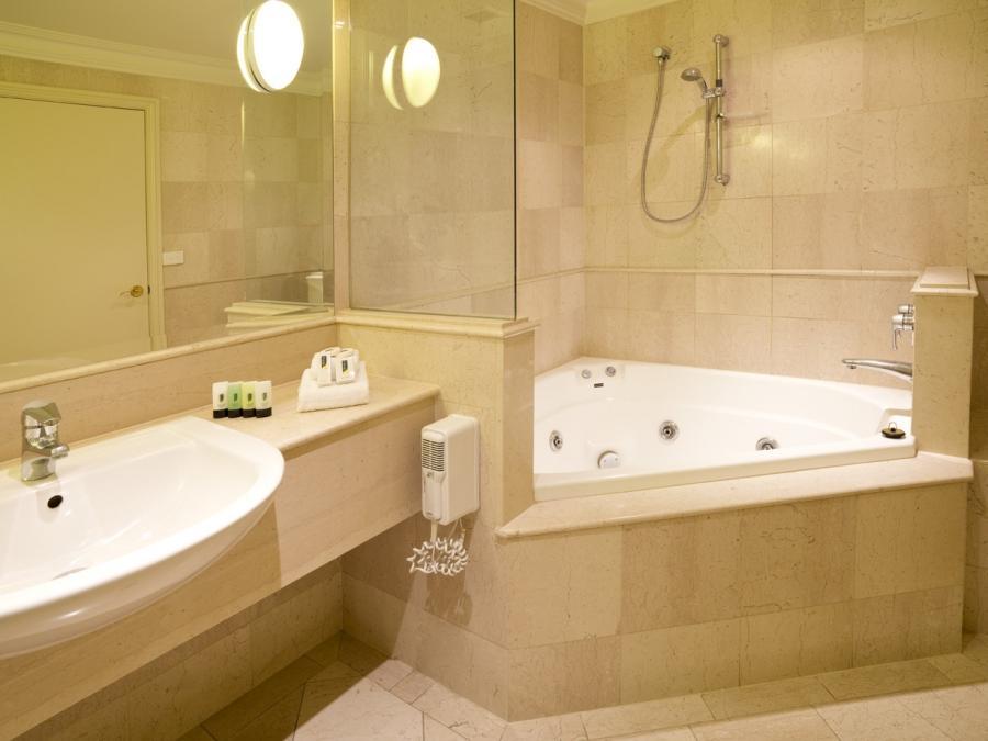 photos of small spa bathrooms