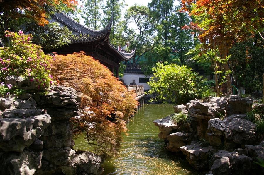 This picture of the Yuyuan Garden in Shanghai (created in 1559)...