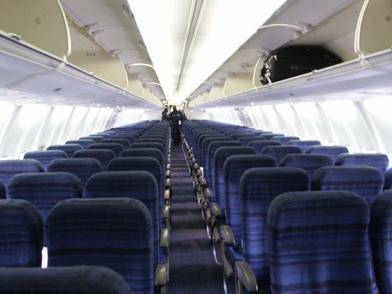 Delta 757 Interior Photos