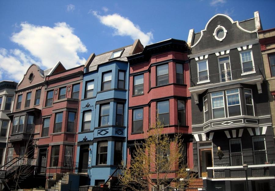 Photo of row houses for Terraced house meaning