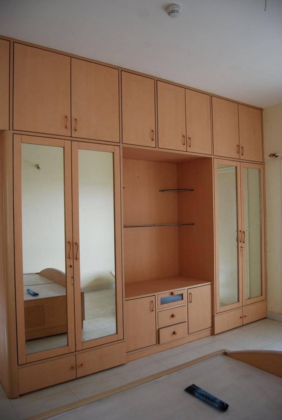 Interior design bedrooms cupboards photos for Bedroom cabinet designs india