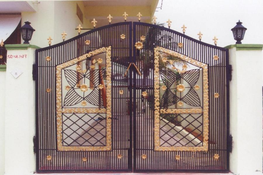 Modern House Entrance Gate