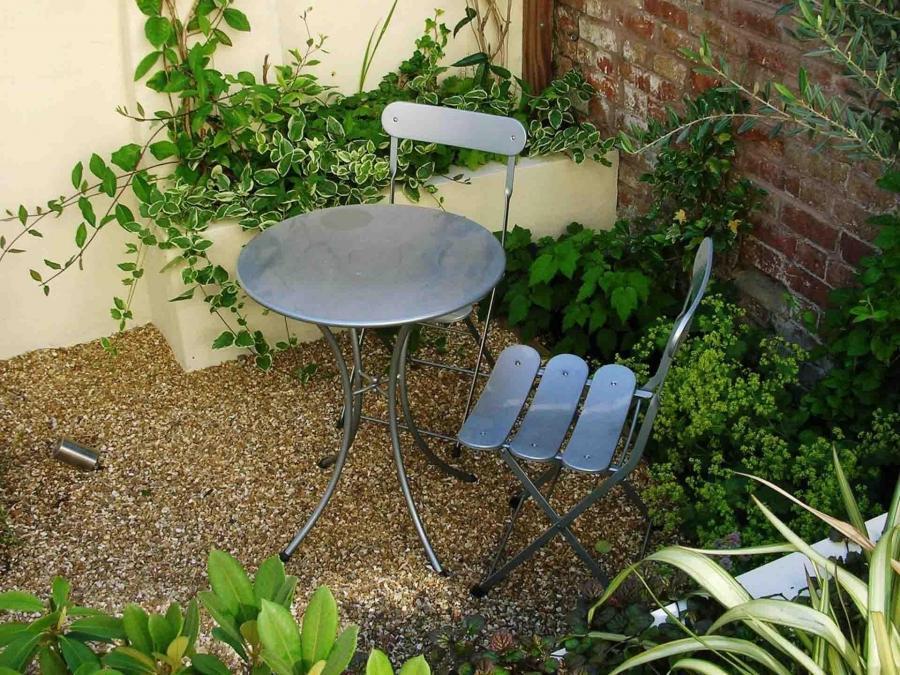 Courtyard gardens photos for Garden design gloucestershire