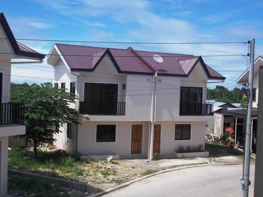 Duplex house photos philippines for Extremely cheap houses