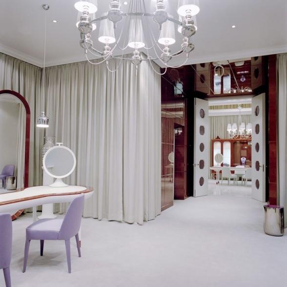 Nail salon interior design photos for Salons wilson