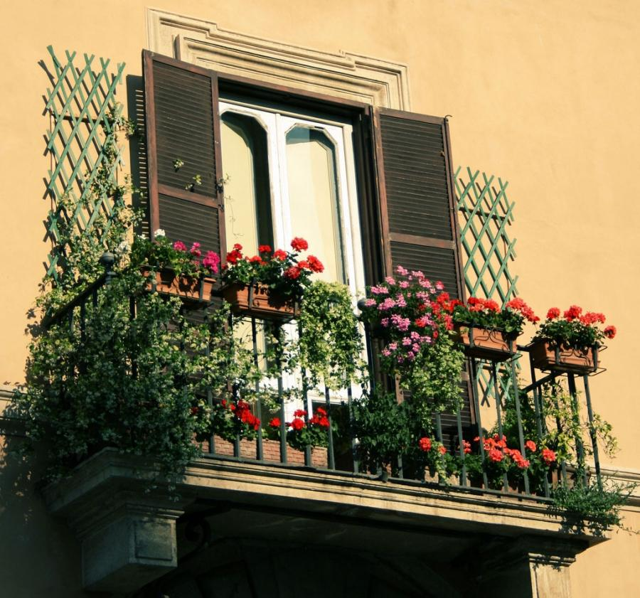Trendy Small Balcony Decorating Ideas : Beautiful Balcony Design...