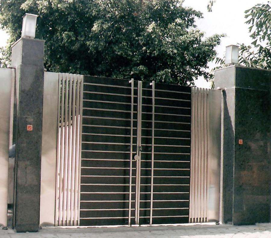 Best iron gate designs photo gallery for Best gate design