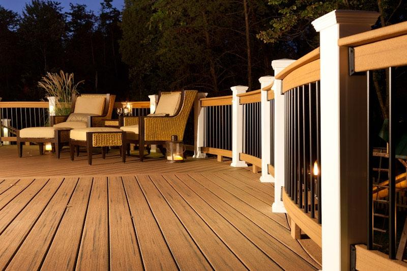 This ground level deck was built using Veranda composite decking...