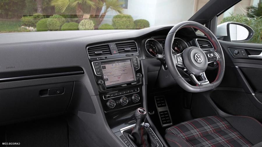 Volkswagen Golf GTI VII (2015)   Interior Wallpaper