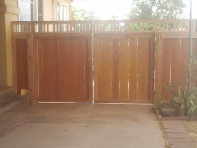 Mission Style Gate in Cedar