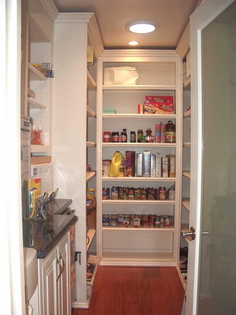 Kitchen walk in pantry photos for Minimalist pantry design