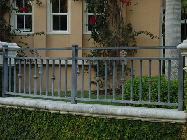 Craftsman Style Fence Photos