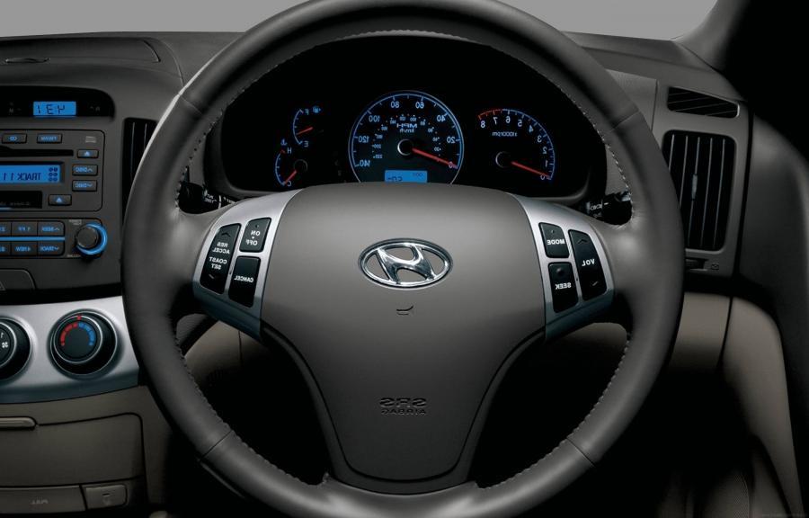 2010 Hyundai Elantra Interior Photos