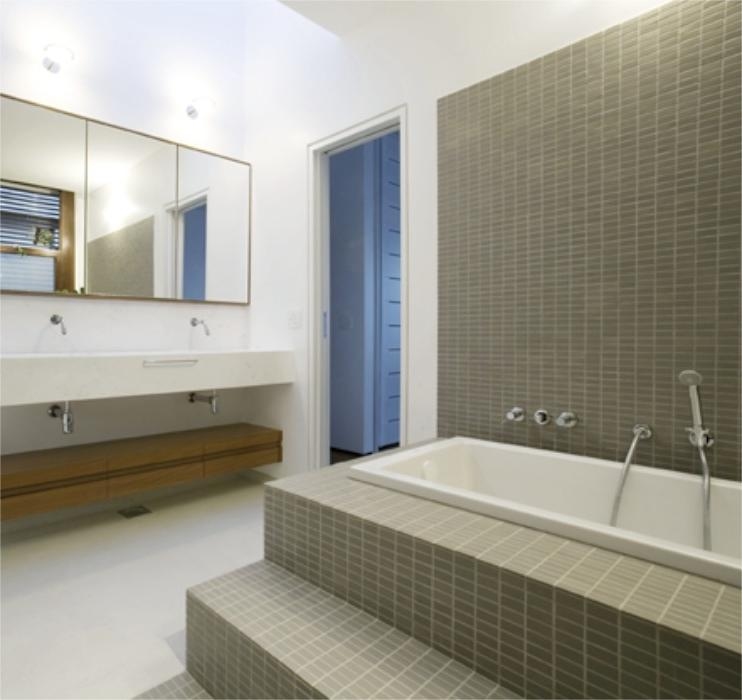 Contemporary Concept For Elegant Tamabi Rio House Bathroom...