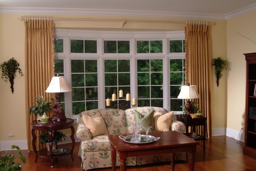Interior photos bay window treatments for Bay window interior