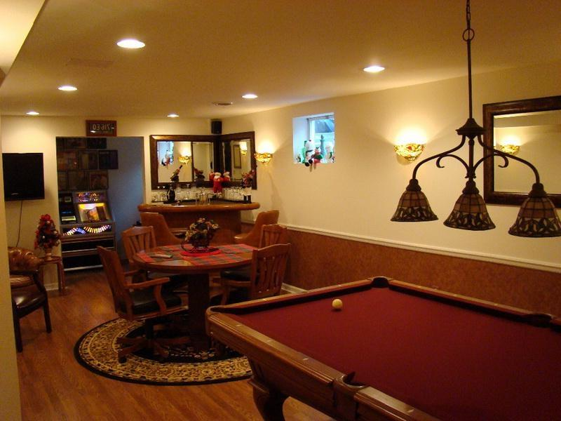 Game room with pool table photos for Small pool table room ideas