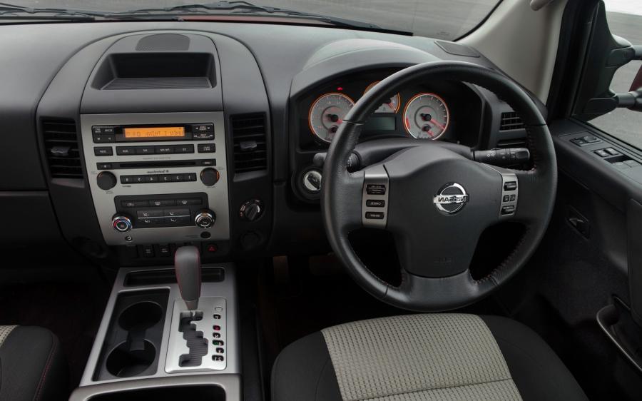 Nissan Titan Interior Photos