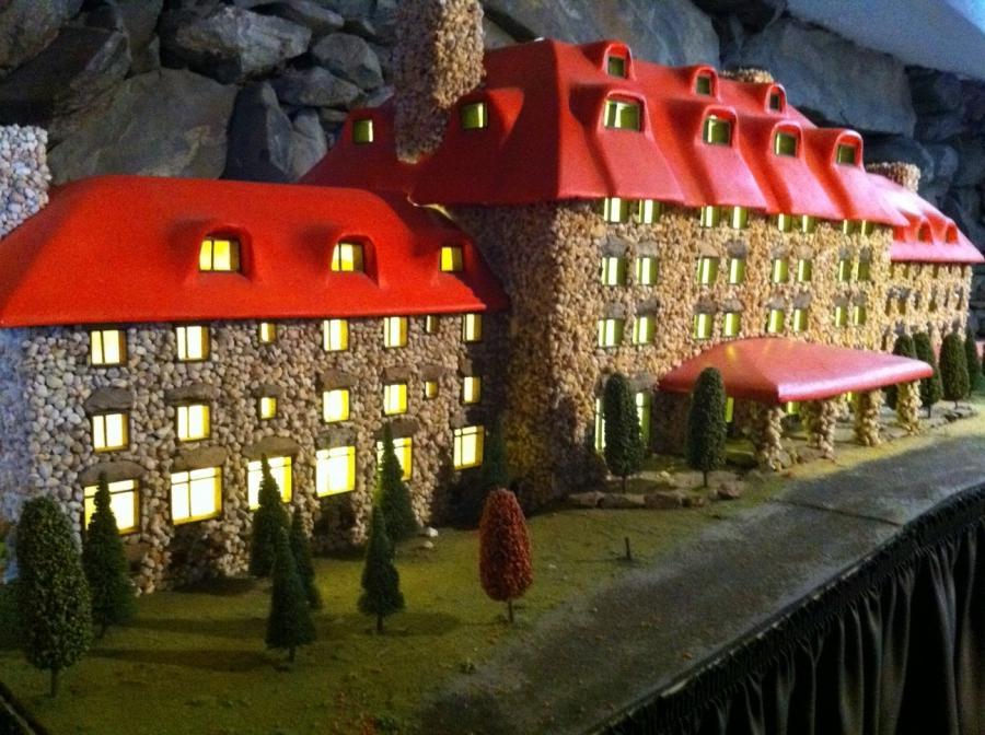 Gingerbread houses grove park inn photos for Grove park house