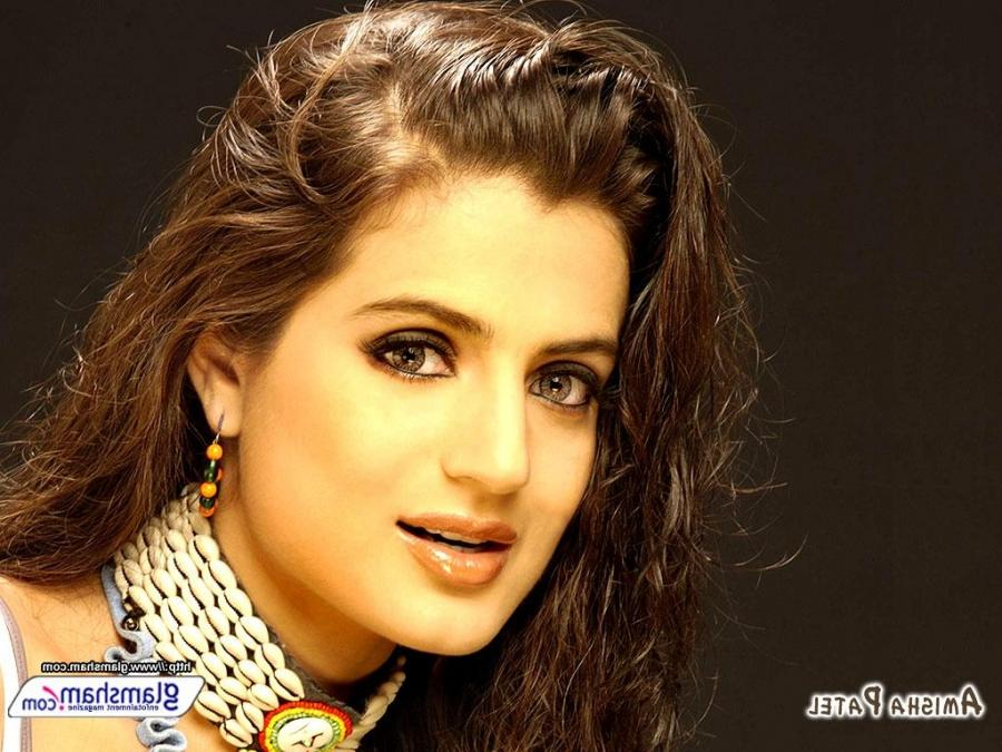 Download Free Wallpapers Backgrounds - Amisha Patel Latest Hot...